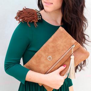 Color de bolso para vestido verde
